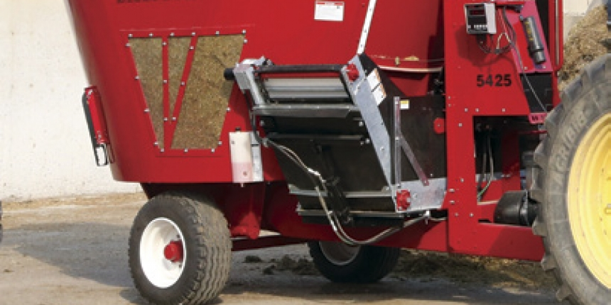 Vertical TMR mixer pays for itself on a beef cow-calf